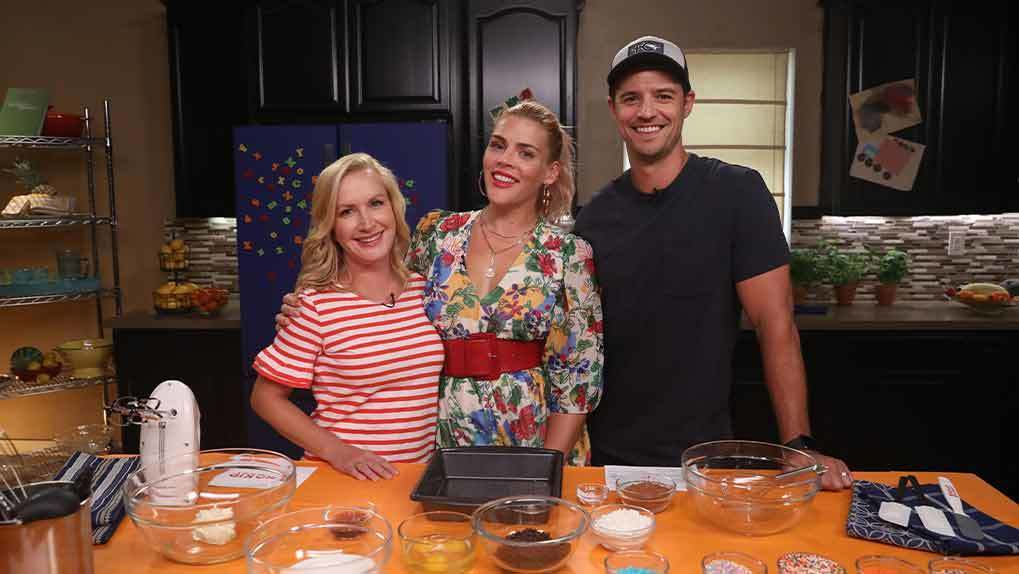 Busy Philipps Curtis Stone and chef guest